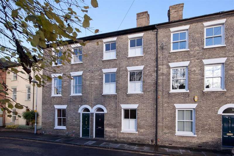 4 Bedrooms Town House for sale in Harcourt Terrace, Salisbury