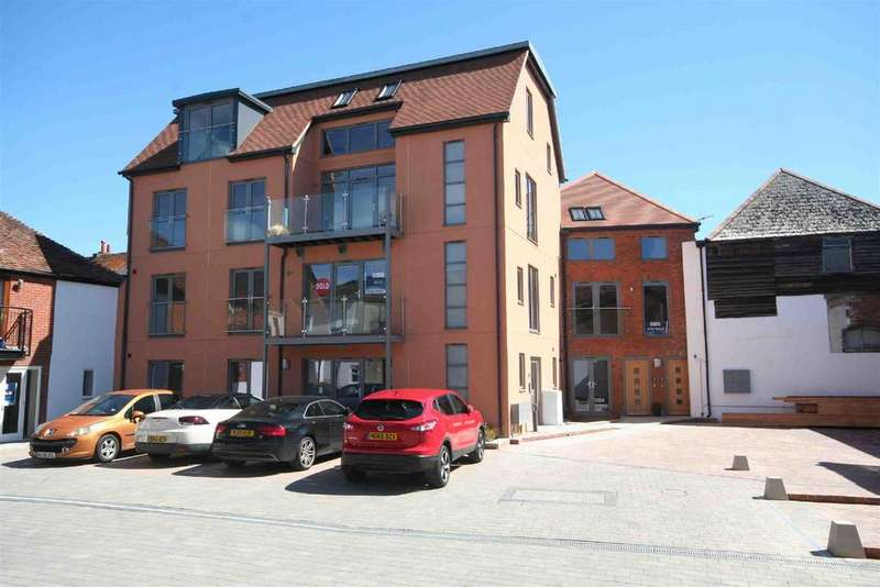 3 Bedrooms Maisonette Flat for sale in Brown Street, Salisbury