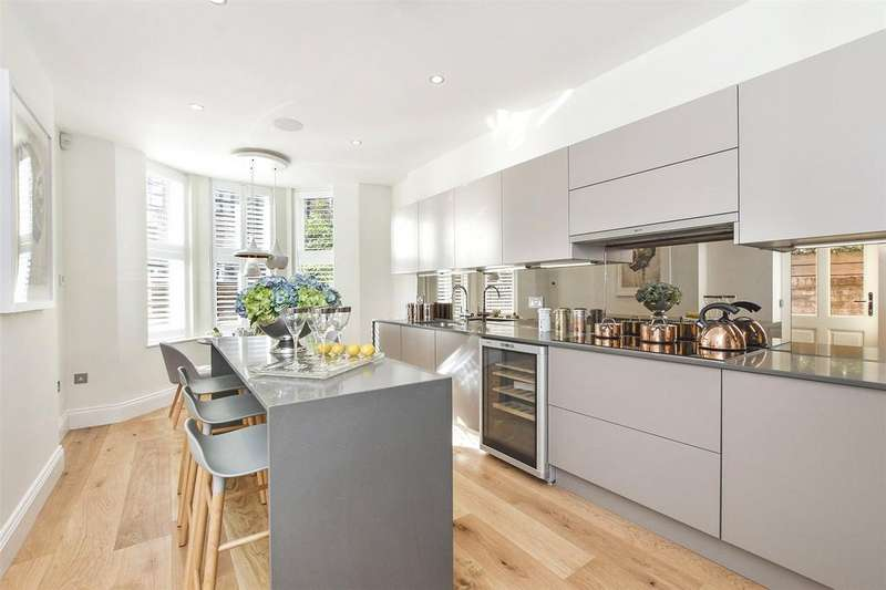 4 Bedrooms House for sale in Coborn Road, Bow, London, E3
