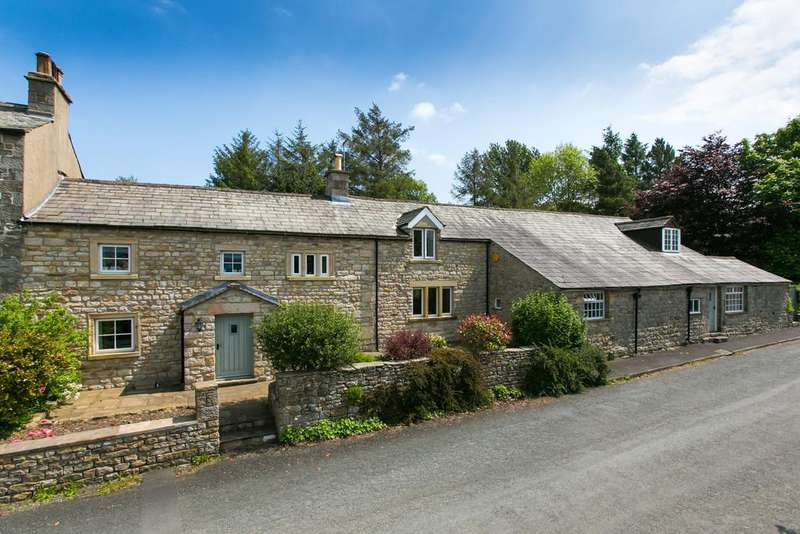 5 Bedrooms Farm House Character Property for sale in Holme Farm, Farleton, Near Lancaster LA2 8LF