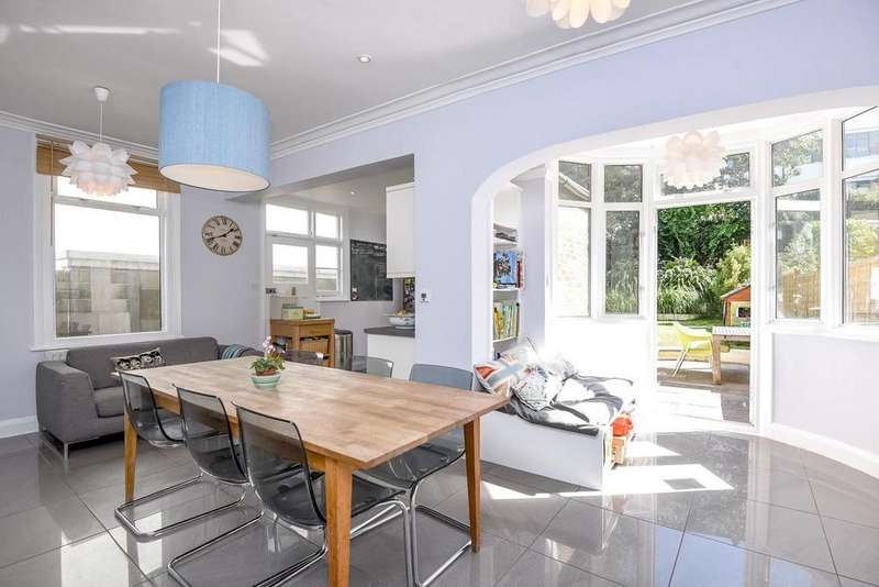 5 Bedrooms Semi Detached House for sale in Knollys Road, Streatham, SW16