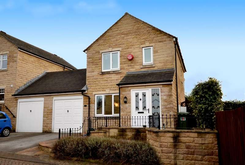 3 Bedrooms Detached House for sale in Ferndale Court, Huddersfield