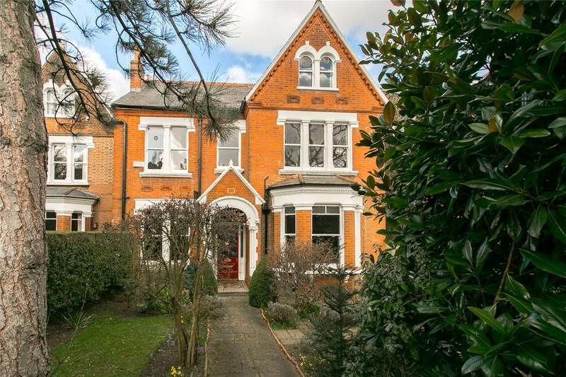 6 Bedrooms Detached House for sale in Grove Park, London, SE5