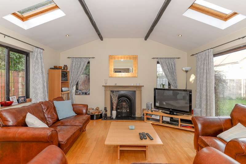 5 Bedrooms Detached House for sale in Armingford Crescent, Melbourn, Melbourn, SG8