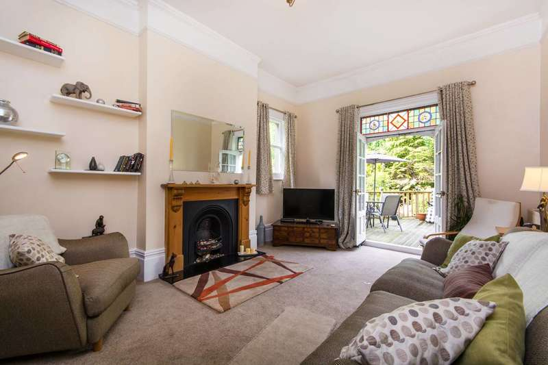 3 Bedrooms Flat for sale in Moreton Road, South Croydon, CR2