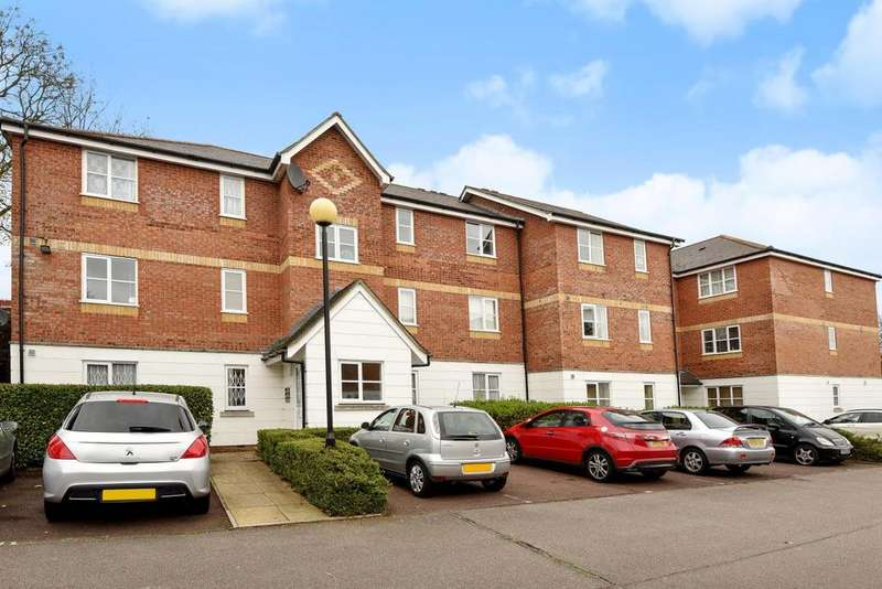 2 Bedrooms Flat for sale in Leigh Hunt Drive, Southgate, N14