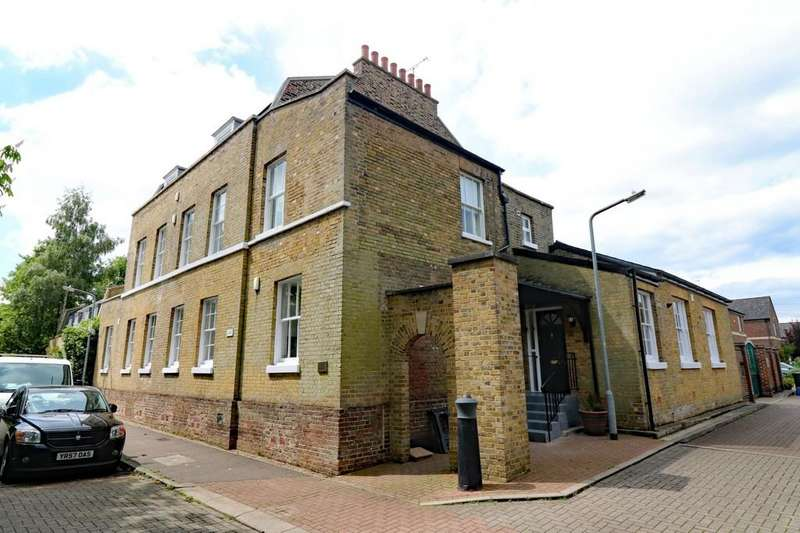 3 Bedrooms Apartment Flat for sale in River View, 1 Powdermill Lane, Waltham Abbey