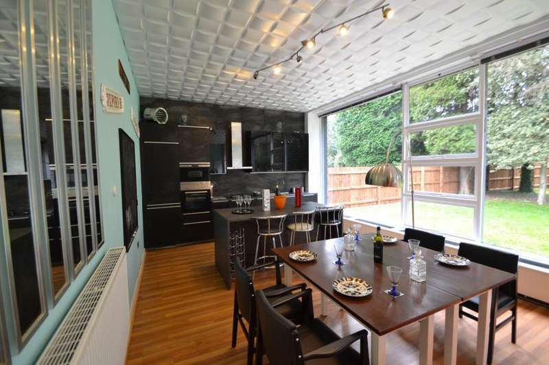 3 Bedrooms Detached House for rent in St Agnes Road, Moseley, Birmingham