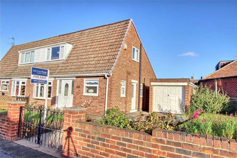 3 Bedrooms Semi Detached Bungalow for sale in Laburnum Road, Ormesby