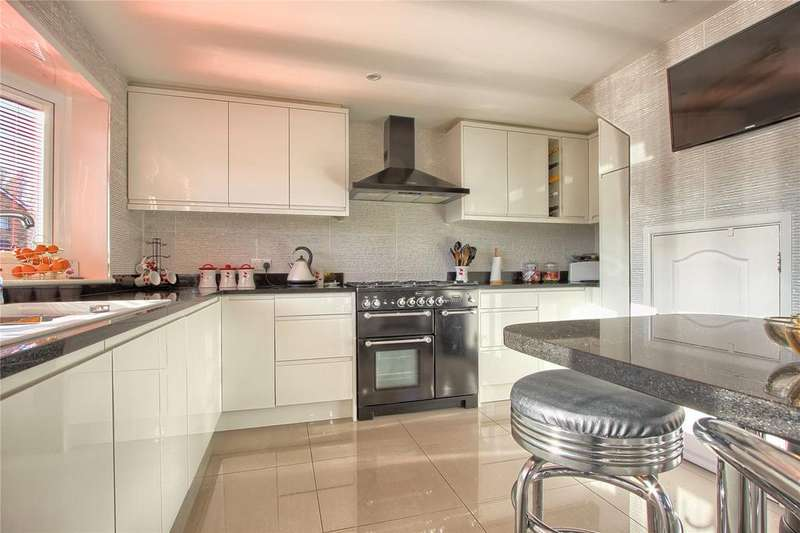 2 Bedrooms Semi Detached House for sale in Sherwood Drive, Marske-by-the-Sea