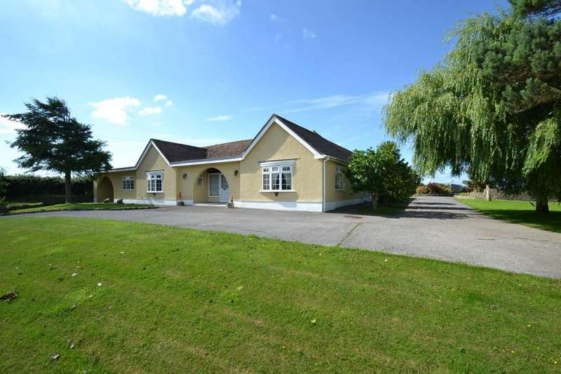 5 Bedrooms Farm House Character Property for sale in The Lodge, Tynycaeau,Porthcawl, Bridgend County Borough