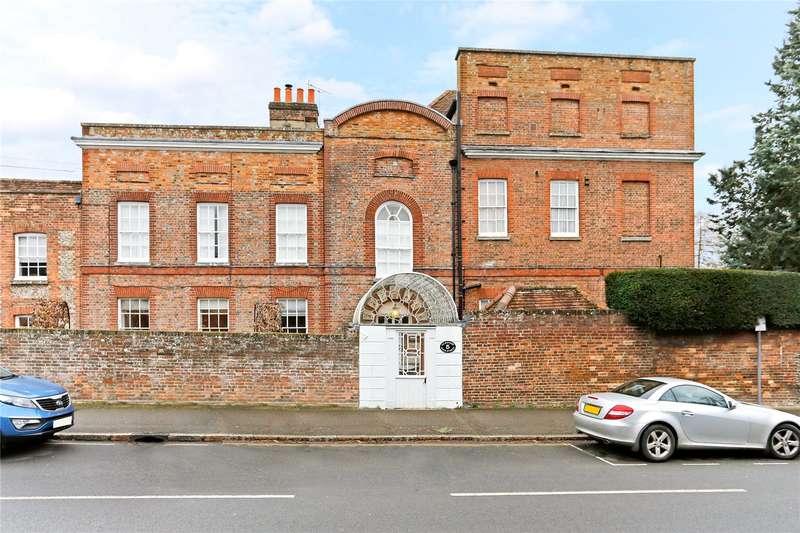 1 Bedroom Flat for sale in Elmhurst, High Street, Great Missenden, Buckinghamshire, HP16