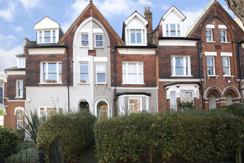 1 Bedroom Flat for sale in Adelaide Avenue, Brockley, SE4