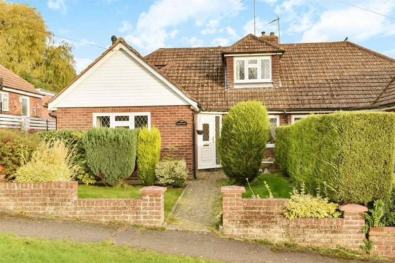 4 Bedrooms Semi Detached House for sale in Farnham, Surrey