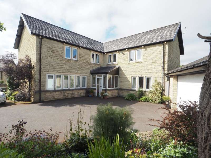 5 Bedrooms Detached House for sale in Crossings Meadow, Chapel-en-le-Frith, High Peak, Derbyshire, SK23 9TA