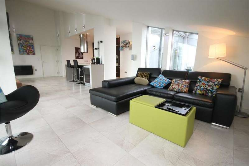 3 Bedrooms Flat for sale in Great Northern Tower, Watson Street, Manchester, Greater Manchester, M3