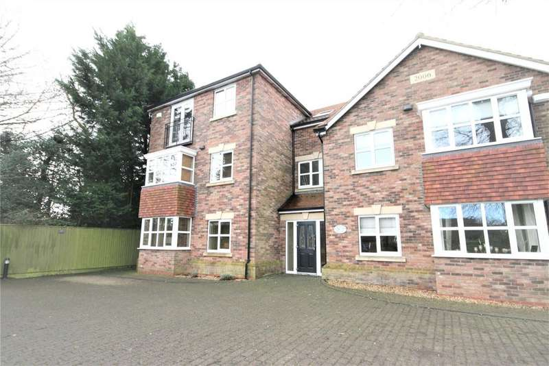 2 Bedrooms Flat for sale in Tetney Road, Humberston, DN36