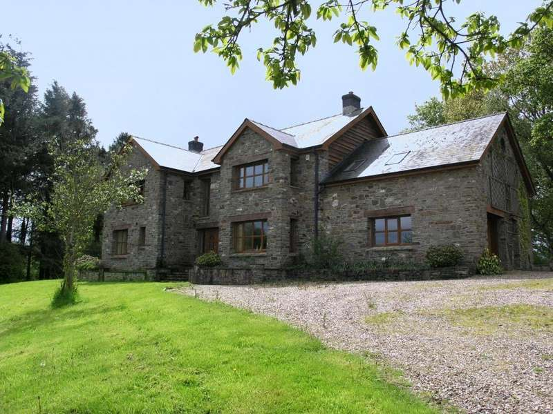4 Bedrooms Country House Character Property for sale in , Builth Wells, LD2