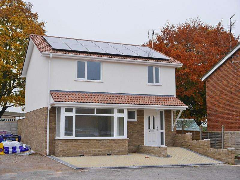 3 Bedrooms Detached House for sale in Cherwell Road, Keynsham, Bristol