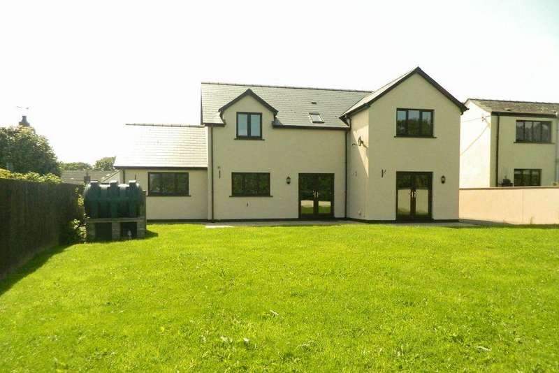 5 Bedrooms Detached House for sale in New Road, Hook. SA62 4LH