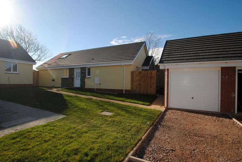 3 Bedrooms Bungalow for sale in Meadow View, Hartland