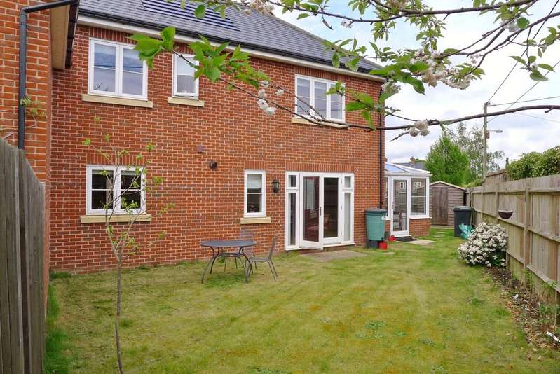 3 Bedrooms Terraced House for sale in KNOWLE VILLAGE
