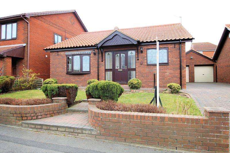 3 Bedrooms Detached Bungalow for sale in St Mawes Close, Hartlepool, TS26 0XS