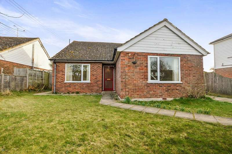 4 Bedrooms Detached Bungalow for sale in Front Road, Woodchurch, Ashford, TN26
