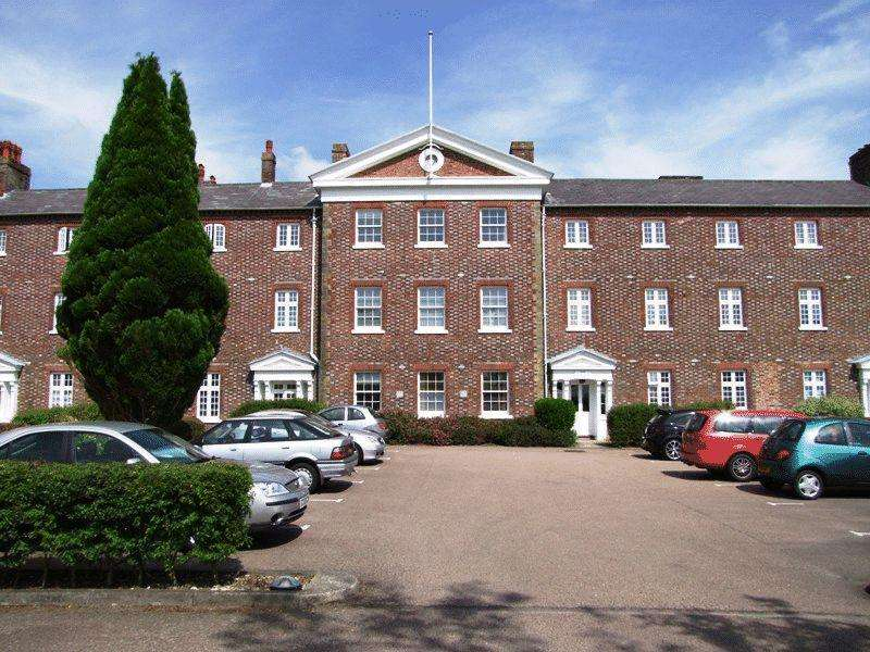 2 Bedrooms Apartment Flat for sale in Chapelfields, Ardingly Road, Cuckfield.