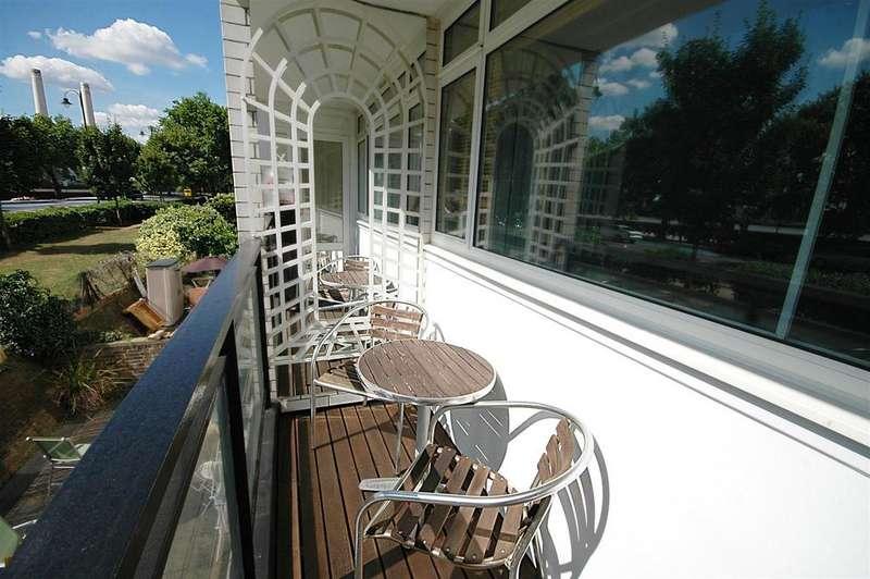 1 Bedroom Flat for sale in Churchill Gardens, London, SW1V