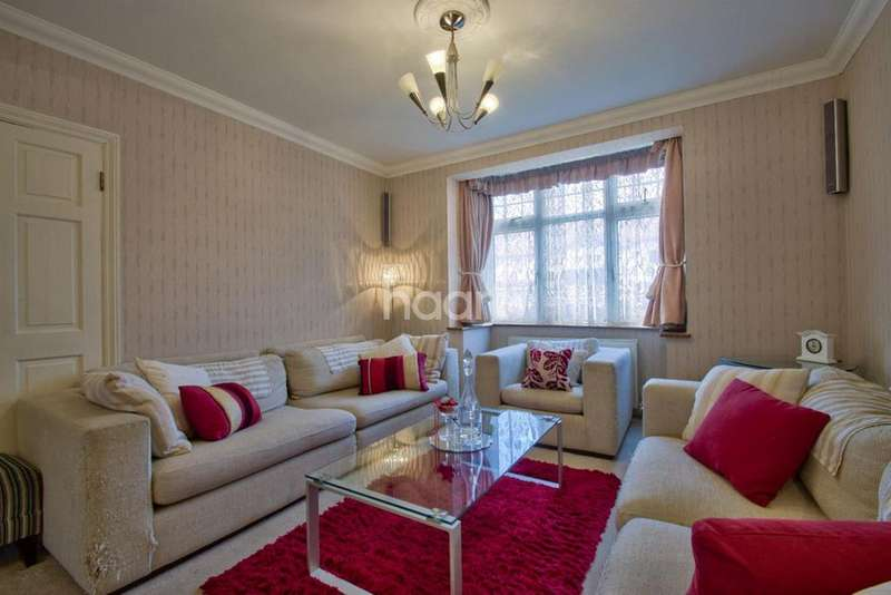 3 Bedrooms End Of Terrace House for sale in Braund Avenue, Greenford
