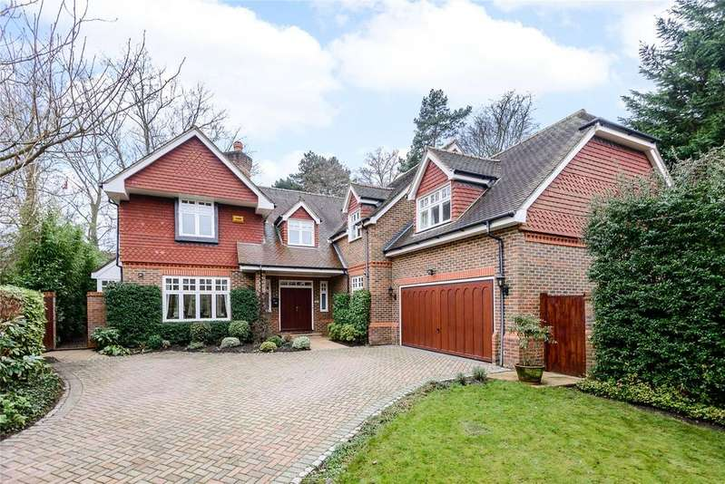 5 Bedrooms Detached House for sale in Courtney Place, Cobham, Surrey, KT11