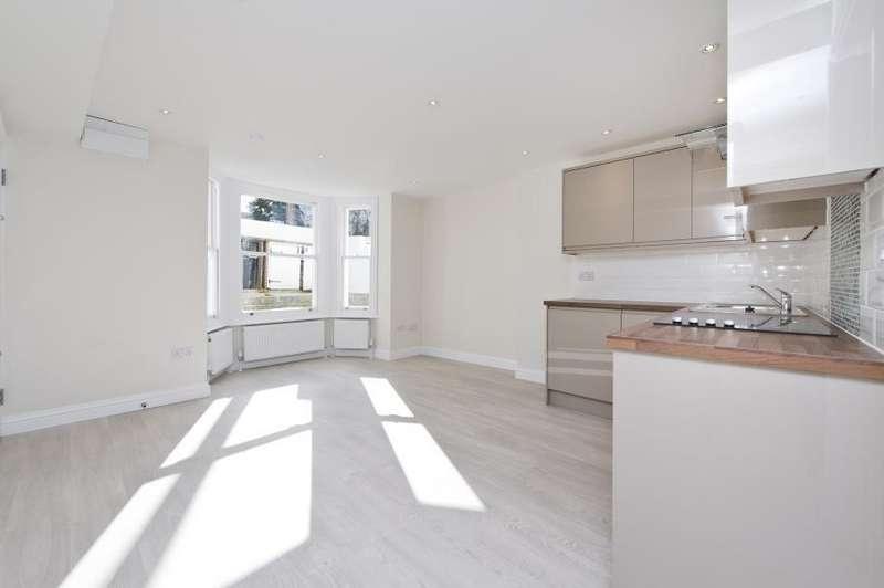 1 Bedroom Flat for sale in Rockley Road, Brook Green W14