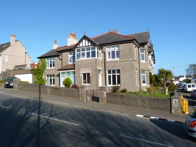 4 Bedrooms House for sale in 44 Bray Hill, Douglas, IM2 5AW