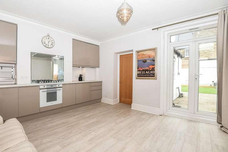 2 Bedrooms Flat for sale in Ravenslea Road, Nightingale Triangle, SW12