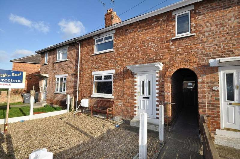 3 Bedrooms Terraced House for sale in Northgate, Moorends, Doncaster