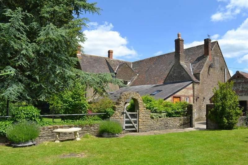 5 Bedrooms Farm House Character Property for sale in Feltham Lane, Frome