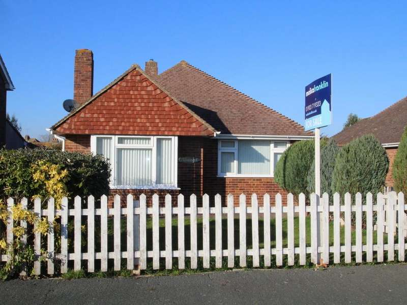 2 Bedrooms Detached Bungalow for sale in Montpelier Road, East Preston