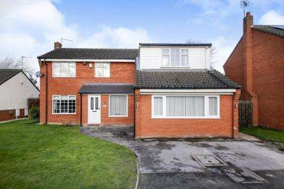 4 Bedrooms Detached House for sale in Grangebrook Drive, Winsford, Cheshire