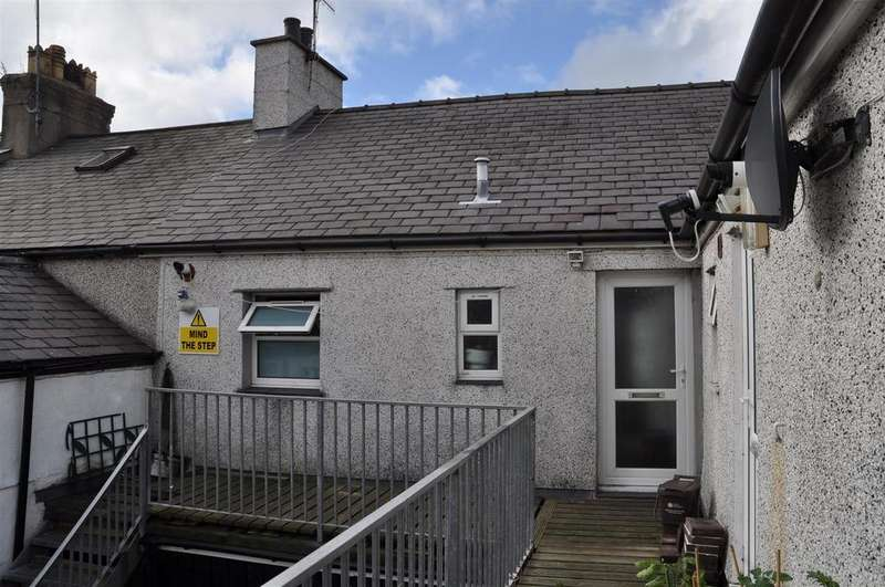 3 Bedrooms House for sale in London Road, Holyhead