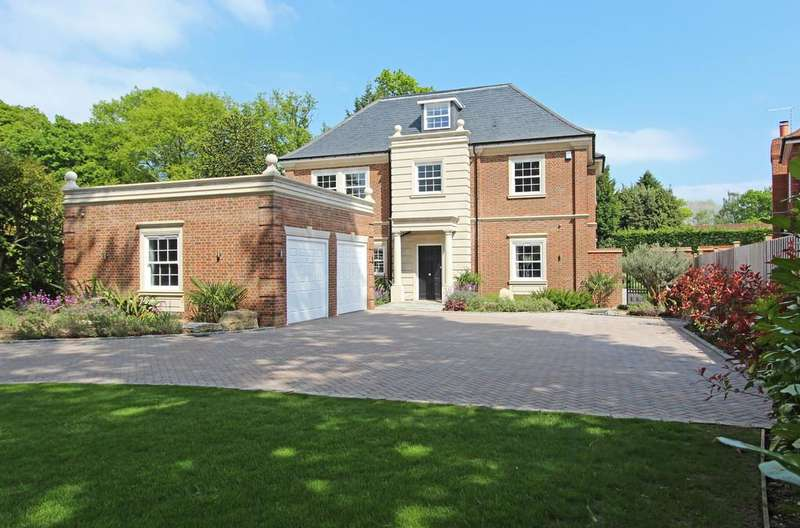 5 Bedrooms Detached House for sale in Warren Drive, Kingswood