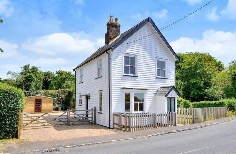 3 Bedrooms Detached House for sale in Wittersham Road, Iden, East Sussex TN31 7XB