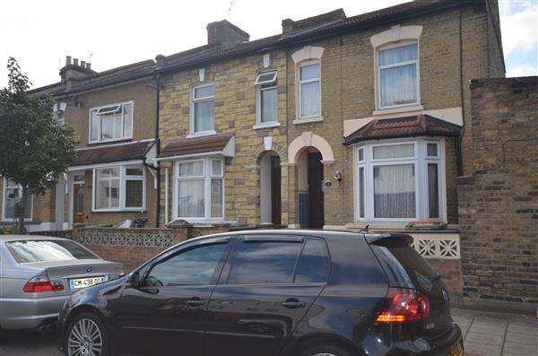 3 Bedrooms Terraced House for sale in West Road, Stratford