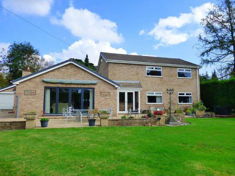 5 Bedrooms Detached House for sale in Windsor Drive, Caistor