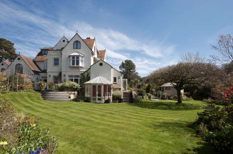 4 Bedrooms Flat for sale in Milner Road, West Overcliff, Dorset, BH4