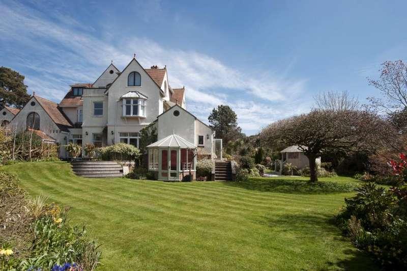 4 Bedrooms Flat for sale in Milner Road, West Overcliff, Dorset, BH4