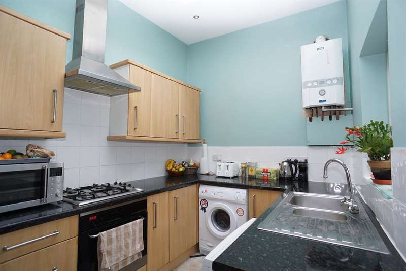 4 Bedrooms Terraced House for rent in South Road, Walkley, Sheffield, S6 3TF
