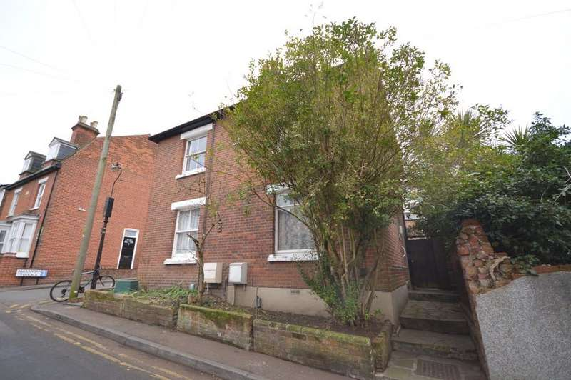 3 Bedrooms Semi Detached House for sale in Alexandra Road, Colchester