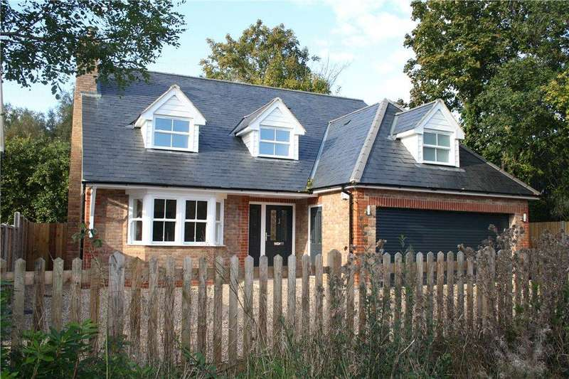 4 Bedrooms Detached House for sale in Mint Road, Liss, Hampshire, GU33
