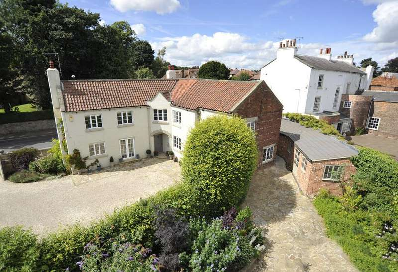 4 Bedrooms Detached House for sale in Boroughbridge Road, Knaresborough